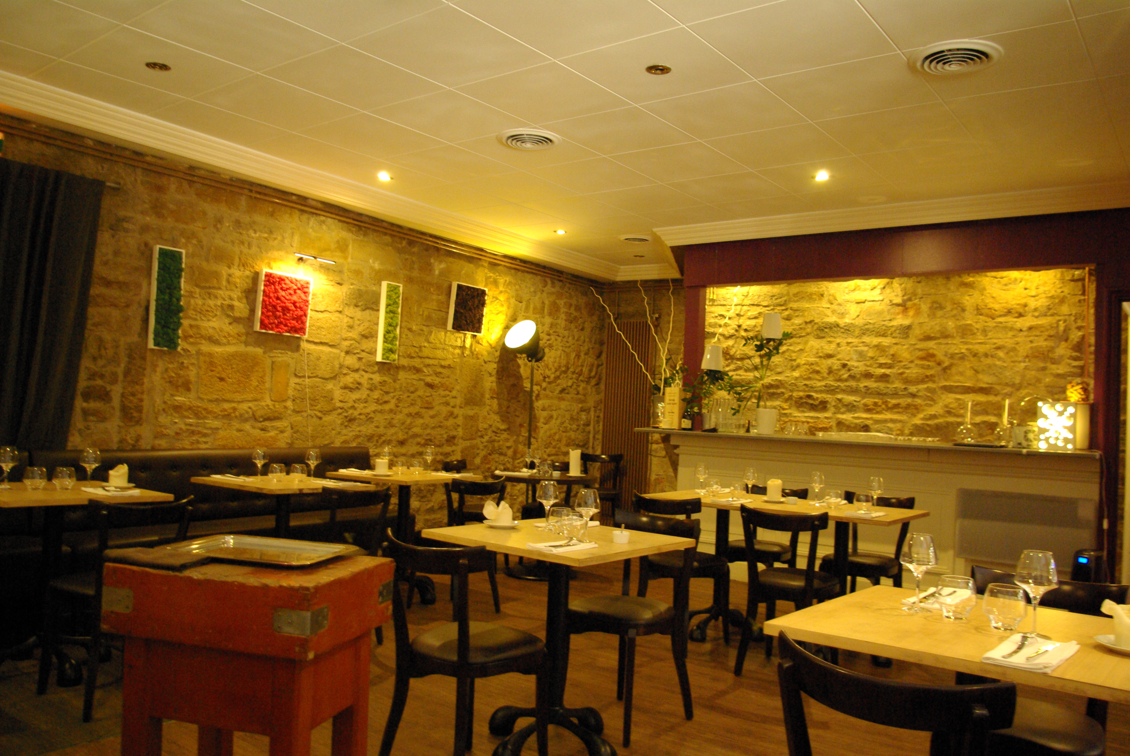 Restaurant l effervescence dessous de table for Restaurant ville lasalle